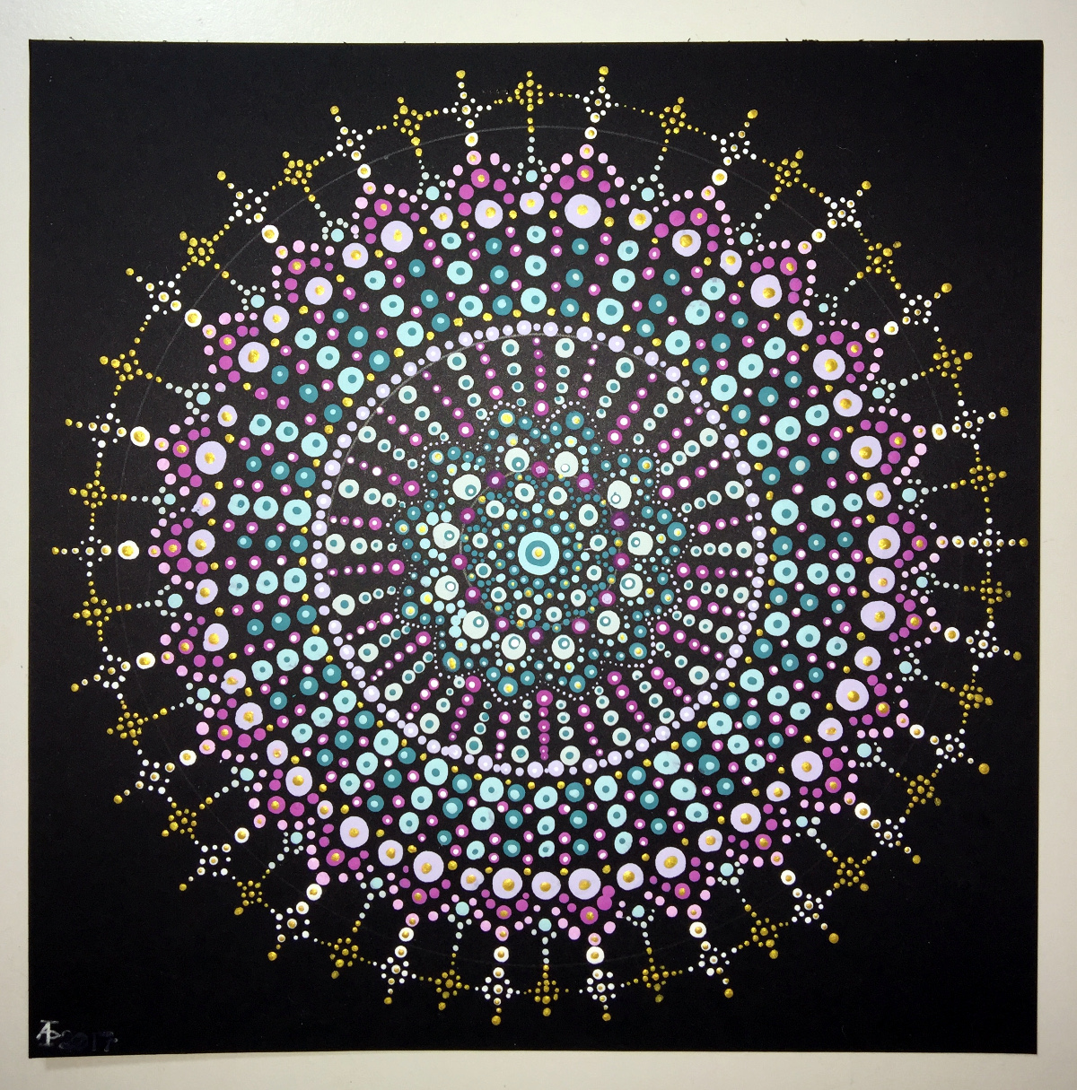 Colorist App News  And My First Dot Mandala   U2013 Angela Porter